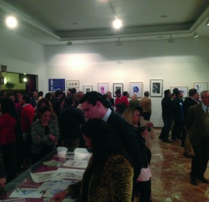 Muchos fueron los curiosos que han visitado la exposición de Juan Miguel en el Círculo Mercantil