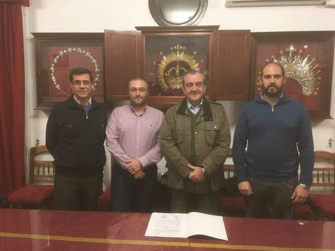 Firma del contrato con la Hermandad de San Gonzalo.