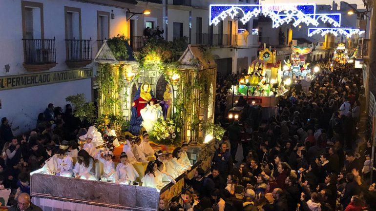 Carrozas De Reyes Magos Fotos.Este Martes Comienzan Los Trabajos De Montaje De Las